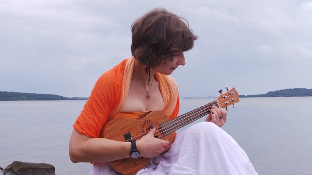 How To Hold A Ukulele For Sitting Play